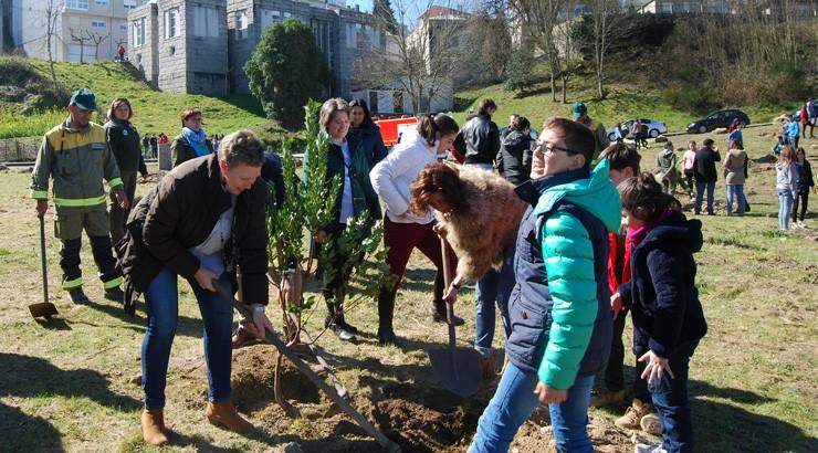 Os escolares ourensáns conmemoran o Día Forestal Mundial