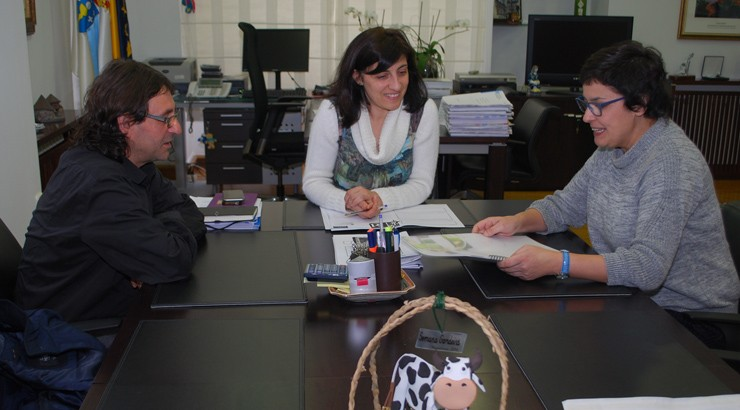 A conselleira de Medio Rural reúnese co Consello Regulador do Ribeiro