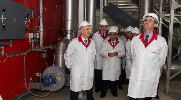 Coren inaugura unha planta de biomasa