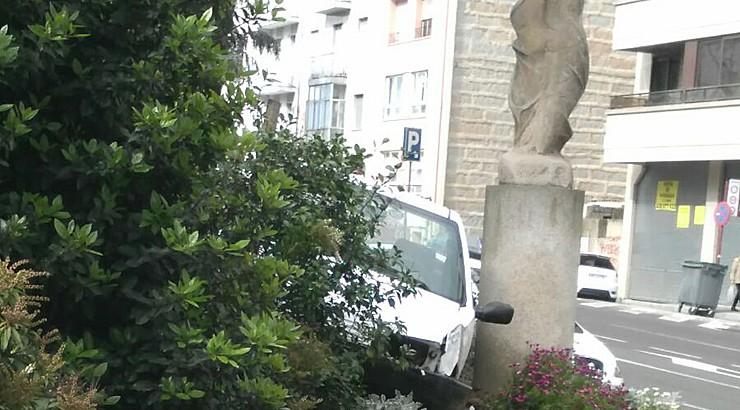 O Concello reporá a estatua de Xosé Cid danada por un accidente