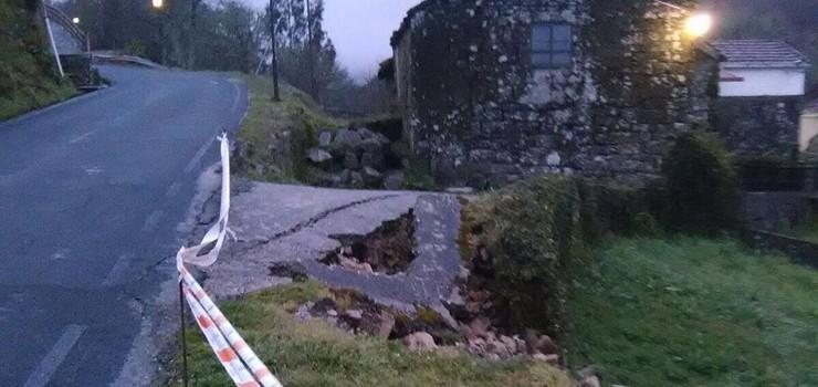 O PSOE denuncia o estado da estrada OU-0406 en Oseira