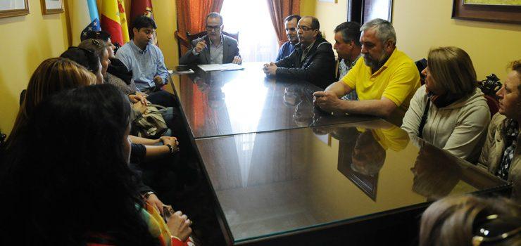 O comité de empresa de Linorsa reúnese co alcalde de Ourense