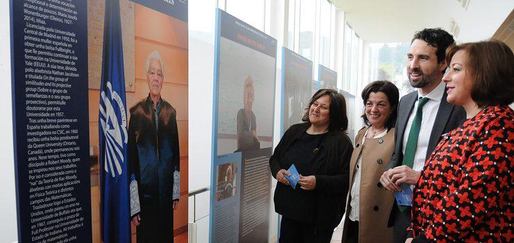 A biblioteca do campus acolle a exposición de premiadas Josefa Wonenburger