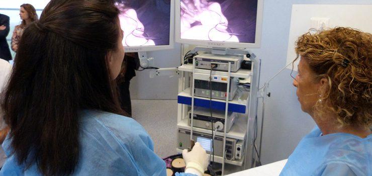 Xinecólogos de toda Galicia fórmanse en cirurxía laparoscópica na Tecnópole
