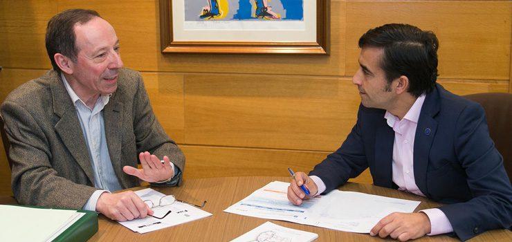 Xuntanza do alcalde de Beariz co conselleiro de Política Social