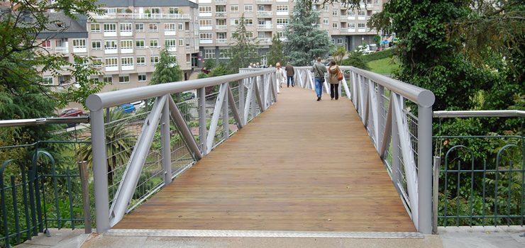 A pasarela do Barbaña reábrese con novo pavimento de madeira e mellorada estrutura