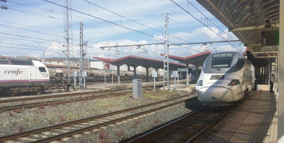 O PSOE denuncia que se aprobe o convenio para a integración do AVE sen ter proxecto da estación