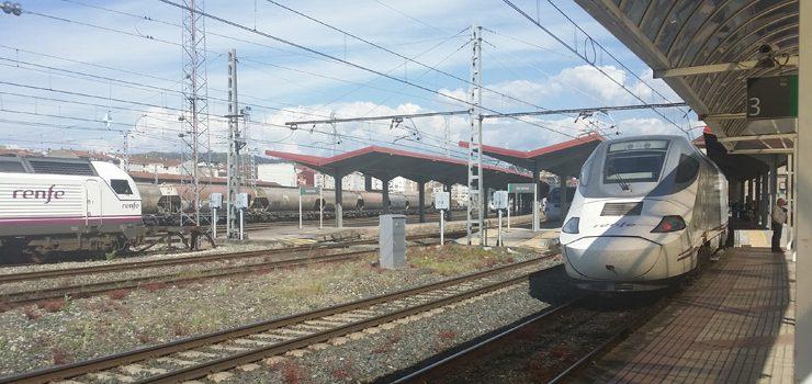 "A oposición considera ""electoralista"" a sinatura do convenio de integración ferroviaria"