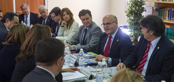 Ourense, entre os sete gobernos provinciais que integran o cumio máis importante do municipalismo español