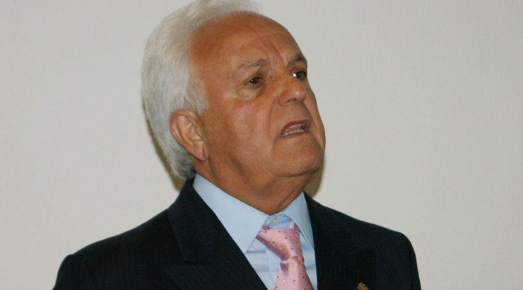 Citan a declarar como investigado a José Luis Baltar na denuncia contra o seu fillo