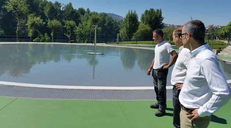 As piscinas municipais de Oira abren ao público este sábado