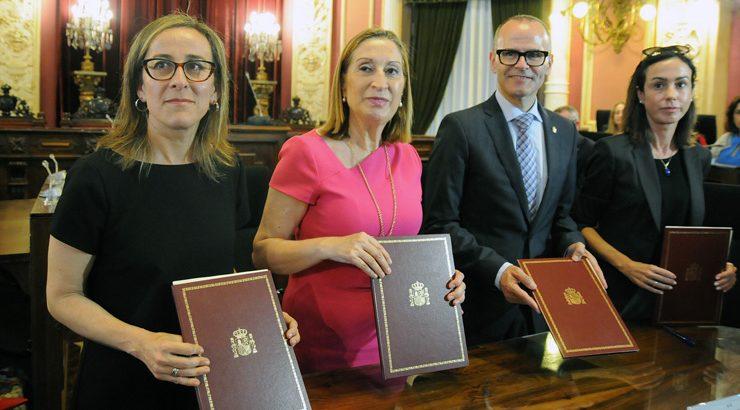 Concello, Xunta, Fomento e ADIF asinan o convenio da estación intermodal