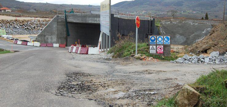 A Xunta velará por que Adif restableza a normalidade das estradas afectadas polas obras do AVE