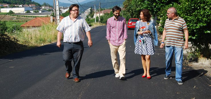 A Consellería de Infraestruturas reforzou o firme na estrada de Valdepereira