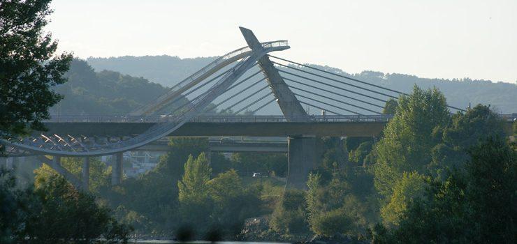 A ponte do Milenio, pechada por obras de conservación