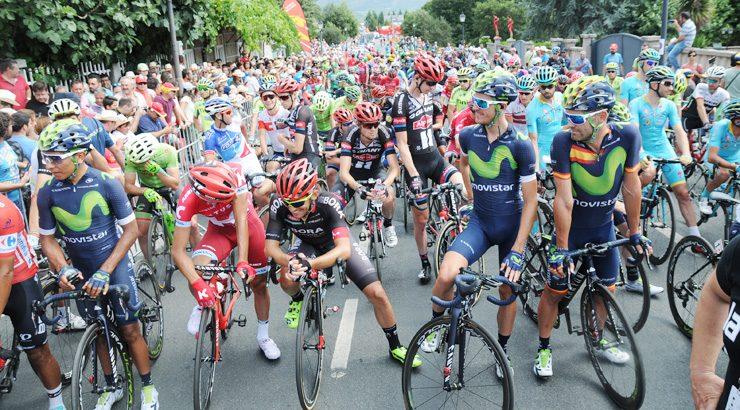 Atapuma mantiene el liderato de La Vuelta en su despedida de Ourense