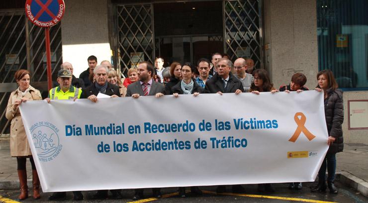 Un minuto de silencio recuerda a las víctimas de accidentes de tráfico, 11 en la provincia en lo que va de año