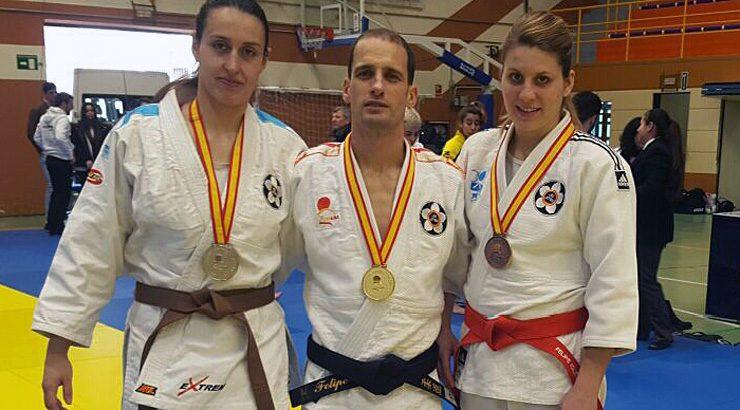 Iglesias e Álvarez, campións nacionais de jiu jitsu.