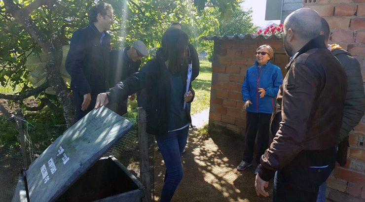 O Concello supervisa cos veciños de Seixalbo a segunda fase da campaña 'Compostaxe: toda unha vantaxe'