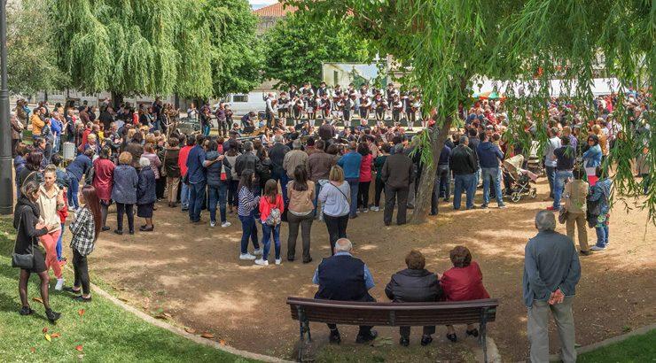 Gran participación na Festa dos Maios e na II Feira Solidaria de Verín