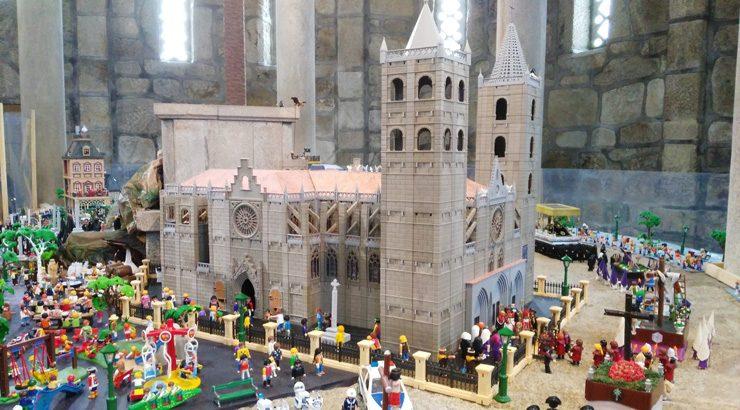 Playmobil únese a Semana Santa do Carballiño