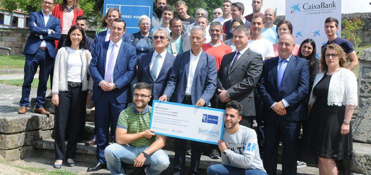 Pérez Rumbao y CaixaBank donan 20.000 euros a Proxecto Home Galicia y a Autismo Ourense