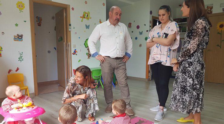 A casa niño de Laza atende a cinco nenos