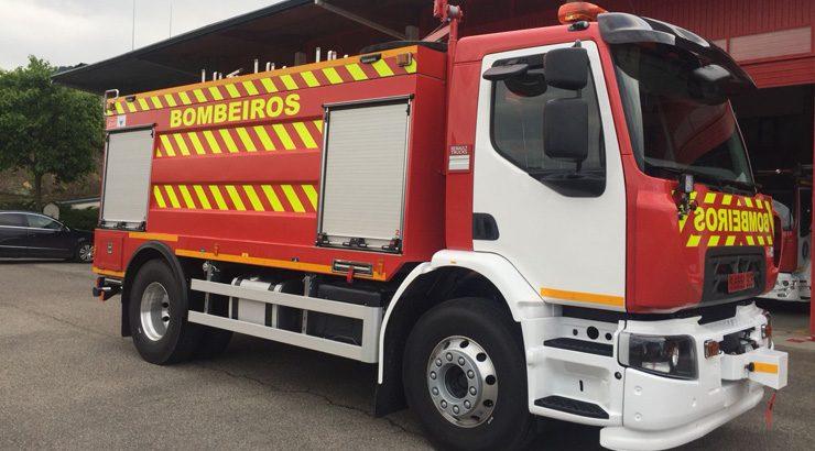 Un camión nodriza contra os incendios da provincia