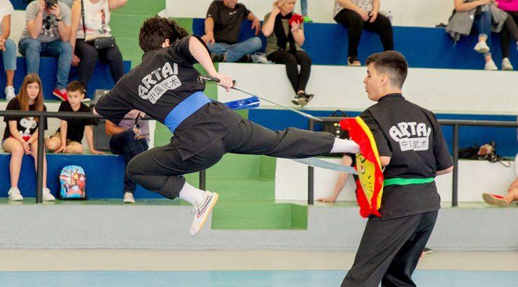 O kungfu galego citouse en Oira