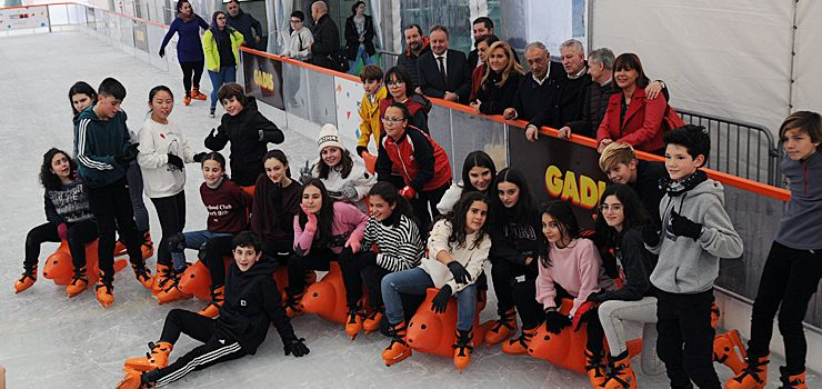 A pista de xeo de Centro Comercial Ponte Vella ten nova ubicación