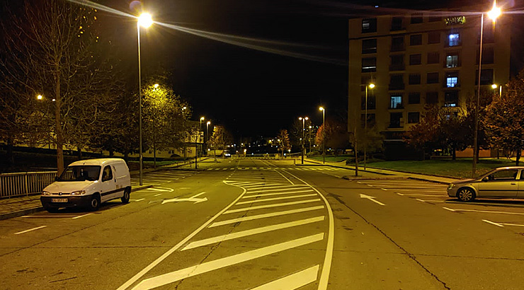 Nova sinalización horizontal na rúa Francisco de Añón, en Vistafermosa