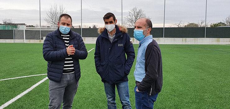 Nova cara para o campo de fútbol de Vilar de Astrés