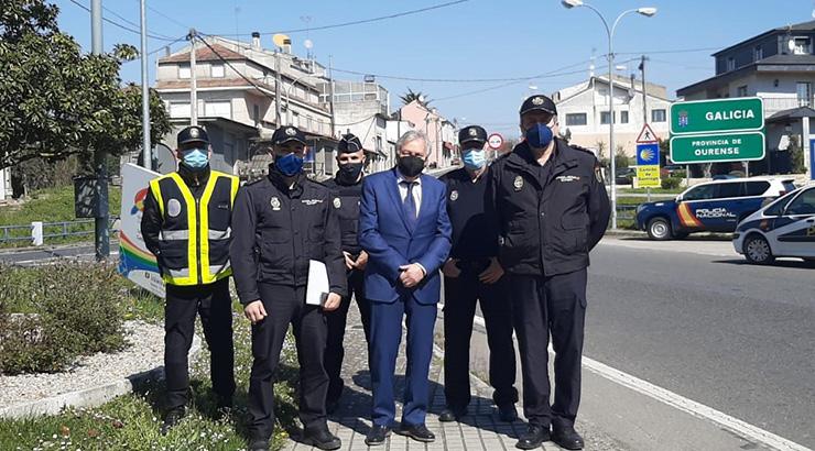 Emilio González visita os pasos fronteirizos para supervisar o protocolo de control na fronteira con Portugal