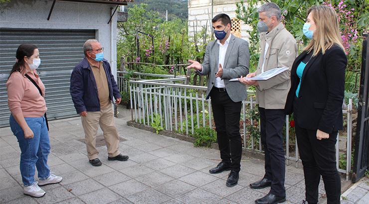 O delegado da Xunta supervisa os traballos iniciais da senda peonil de Reza