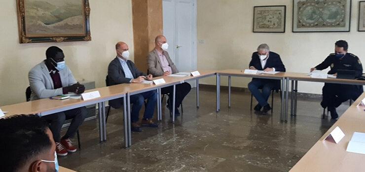 O subdelegado do Goberno reúnese con colectivos do barrio do Couto